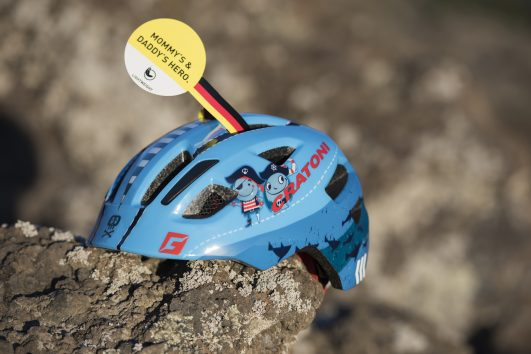 Casco CRATONI azul con piratas