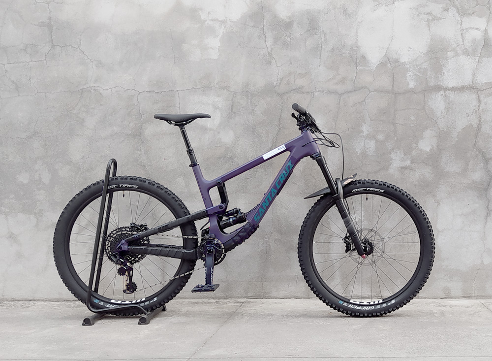 SANTA CRUZ Nomad Carbon Leih Mountainbike